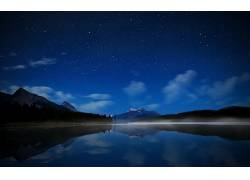 101911,地球,反射,山,湖,雾,水,夜晚,云,风景,明星,壁纸图片