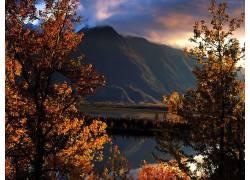 104195,地球,风景,彩色,秋天,树,湖,壁纸