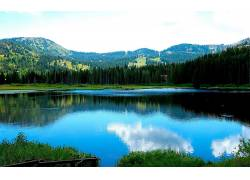 80438,地球,湖,湖,摄影,风景,山,天空,树,码头,小船,小木屋,壁纸图片