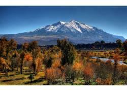 88215,地球,风景,摄影,天空,荒地,山,雪,森林,树,布什,草,领域,河图片