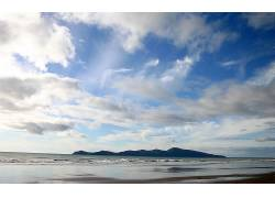 88230,地球,天空,风景,海滩,海,波浪,山,岛,云,快活的,水,壁纸图片