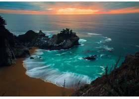 晚霞与海岛美景