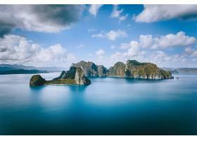 海中岛屿美景