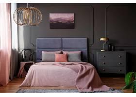 温馨粉色客房装潢设计