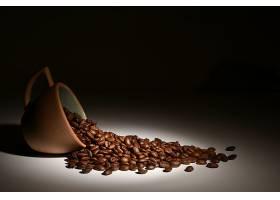 散落的咖啡豆