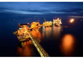 海上工业夜景