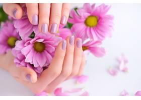 手里的鲜花