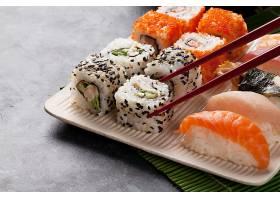 生鱼片与寿司