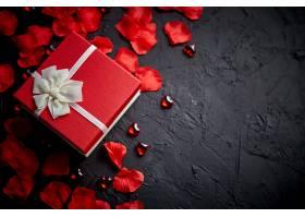 花瓣与礼盒