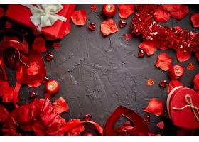 灰色墙背景与情人节装饰品