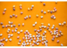 橙色背景与复活节彩蛋