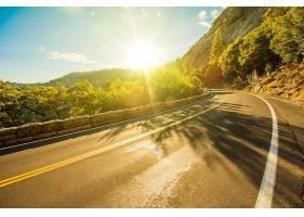 日落与公路
