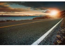 海岸公路与日落
