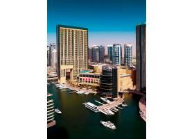 沿海城市与游艇