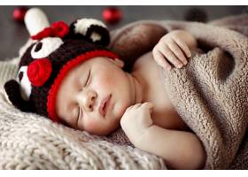 可爱的毛线帽子与宝宝