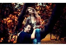 人,一对,树木,头发在脸上,闭着眼睛,背景虚化,男人,美女,秋季,男