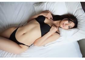 人,亚洲,躺着,美女,女用贴身内衣裤,黑发,在床上,看着观众,黑色内