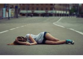 人,美女,躺着,路,帽子,城市的,市,覆盖面30784