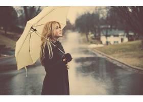 人,金发,美女,户外的女人,雨伞,雨,抬头看,街,景深,城市的36973