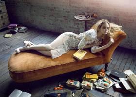 人,图书,美女,长椅,躺着,砖块,橙色(水果),金发28588