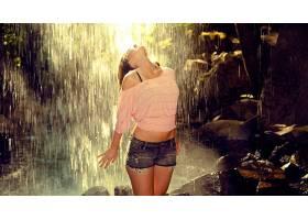 人,美女,瀑布,牛仔短裤,裸露的肩膀,肚皮,短上衣,户外的女人28494
