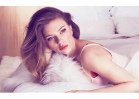 人,斯嘉丽约翰逊,红色胸罩,白色的上衣,在床上,美女,演员,名人,面