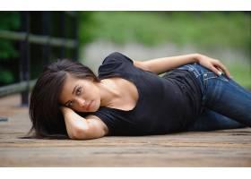 人,牛仔裤,Takara Mike Reid,黑发,黑色的衣服,淡褐色的眼睛,美女