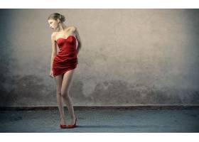人,美女,红色礼服,高跟鞋,黑发,简单的背景,模特,腿,连衣裙70284图片