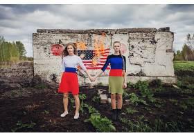 人,旗,火,DPR,美女,手牵着手,户外的女人,模特35503