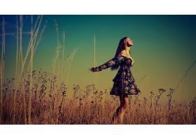 人,景观,美女,夏季服装,金发,闭着眼睛,户外的女人,领域,模特,在