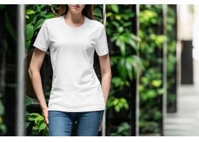 时尚女性T恤VI样机