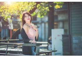文艺清纯学生风年轻女性高清摄影图