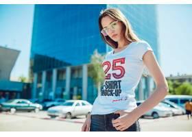 时尚潮流年轻男女模特T恤穿着效果展示样机