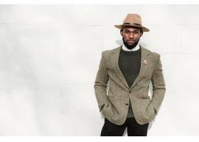 休闲针织衫黑人男子
