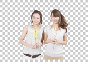 拿着花的姐妹俩