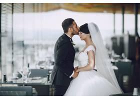 西餐厅婚纱照摄影