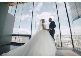 高楼上的婚纱摄影