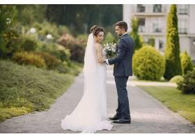 新式浪漫新娘新郎婚纱照
