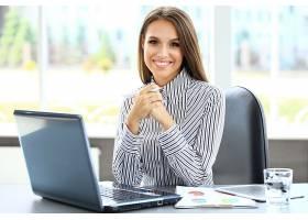 年轻商务女企业家秘书助理