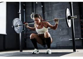 性感举重年轻健身女性
