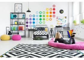 创意时尚儿童色彩丰富童心浪漫房间设计