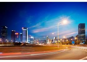 郊区远眺城市中心夜景