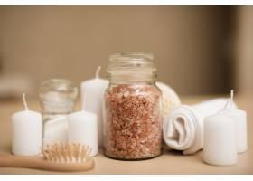 用于水疗放松的浴盐和蜡烛的特写_6053223