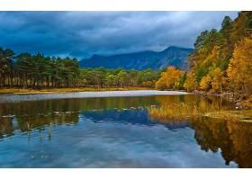 245699,地球,秋天,反射,湖,森林,山,风景,云,壁纸