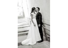 浪漫情侣黑白图片