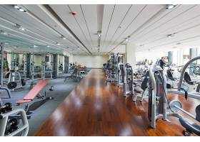 健身房里的器材摄影