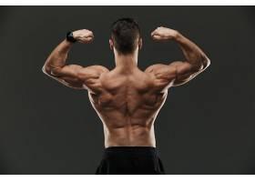 健身男人背影