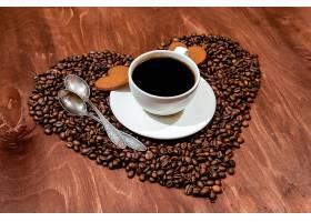 心形图案与下午茶