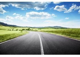 春天山野美景与公路景色