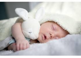 睡觉流口水的宝宝